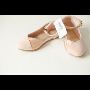 New old navy baby girl size 5 shoes